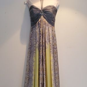 Dresses & Skirts - Formal Gown/Prom Dress